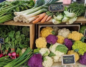 Pictures of healthy organic vegetables for sale to eat in your Fruit and Vegetable Challenge